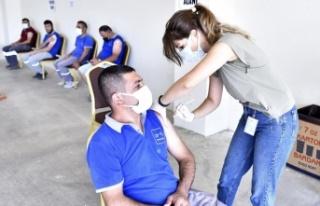 Antalya OSB'de 2'inci ve 3'üncü doz aşılama...