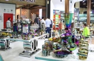 Antalya'da artan turist sayısı fuar sektörüne...
