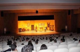 Takıntılar Manavgat ve Alanya'da sahnelendi