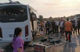 Alanya'dan giden otobüs takla attı; 3 ölü,...