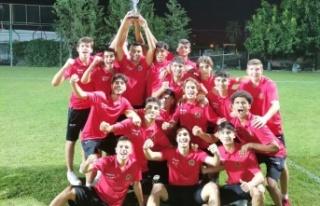 Alanyaspor U17 takımı şampiyon oldu