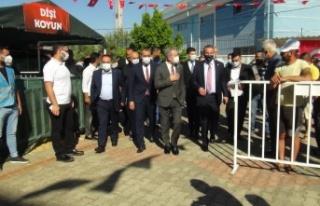 MHP'den Manavgat'a 2 bin 393 küçükbaş, 107...