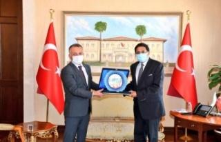 """Vali Yazıcı: """"Antalya için Hint düğünleri..."""