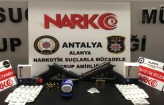 Alanya'da uyuşturucu operasyonu: 2 gözaltı...