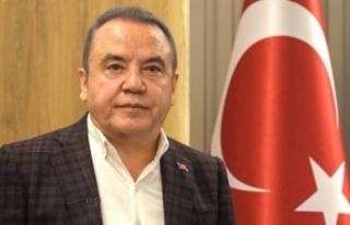 Antalya'yı korkutan depremle ilgili Böcek'ten...