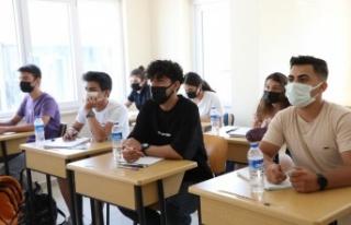 Büyükşehir'in üniversite hazırlık kursları...