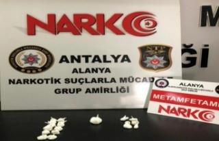 Manavgat'tan gelen uyuşturucu Alanya polisine...