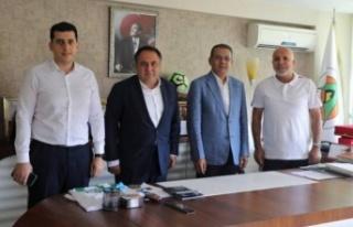 Türk Telekom'dan Çavuşoğlu'na ziyaret