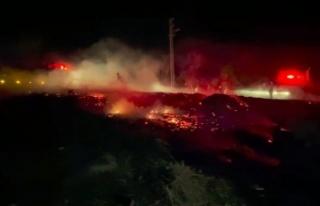 Yakılan sera atıkları araziye sıçradı, mahalleli...