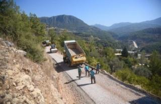 Alanya Belediyesi'nin asfalt seferberliği devam...