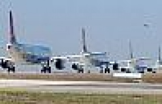 Yolcu uçağıında kavga çıktı: 4 yaralı