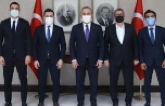 Alanyaspor'dan Bakan Çavuşoğlu'na ziyaret