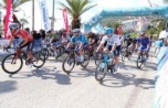 Cumhurbaşkanlığı Türkiye Bisiklet Turu Alanya-Kemer etabının startı verildi