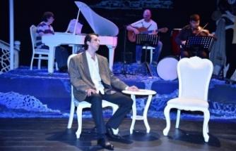 """'Orhan Veli ile Git Gidebildiğin Yere"""" Alanya Açık Hava Tiyatrosu'nda"""