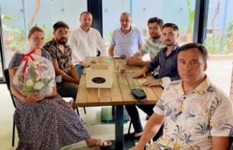 Alanya MHP'den safari kazasında yaralananlara ziyaret