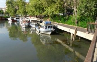 Manavgat Irmağına karışan kanalizasyon Sahil Güvenlik ekiplerini harekete geçirdi