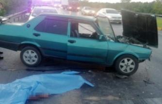 Trafik lamlarında bekleyen araca arkadan çarptı: 1 ölü var