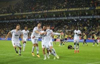Alanyaspor'un son kurbanı Fenerbahçe oldu