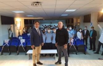 Başkan Çavuşoğlu öğrencilerle buluştu