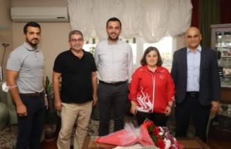 Toklu'dan şampiyon Dilara'ya ziyaret