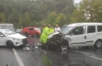 Yağışla gelen kaza: 6 yaralı var
