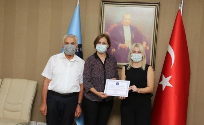 Rektör Özkan'dan TÜBİTAK'tan destek alan öğretim üyelerine teşekkür belgesi