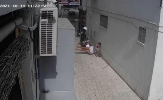 7'inci kattan düşme anı kameraya böyle yansıdı