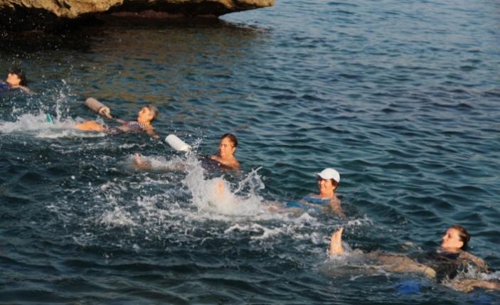 Kadınlar, su jimnastiği ile forma giriyor