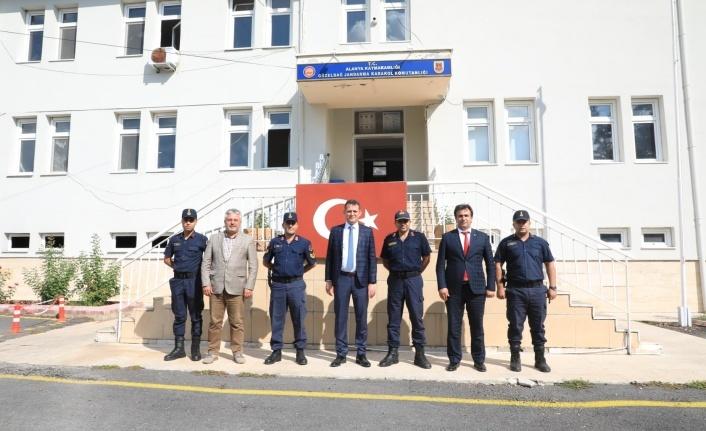 Kaymakam Ürkmezer'denGüzelbağ Jandarma Komutanlığı'na ziyaret