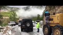Alanya'da karda kalan araçlar böyle kurtarıldı