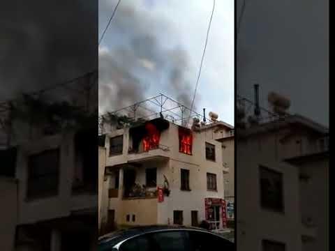 Alanya'da bir ev yanarak küle döndü
