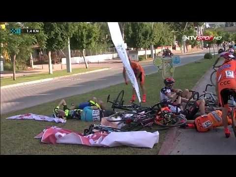 Cumhurbaşkanlığı Bisiklet Turu'nda korkutan kaza!